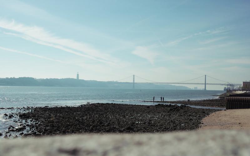 Rundreise durch Portugal – Lissabon Hafen